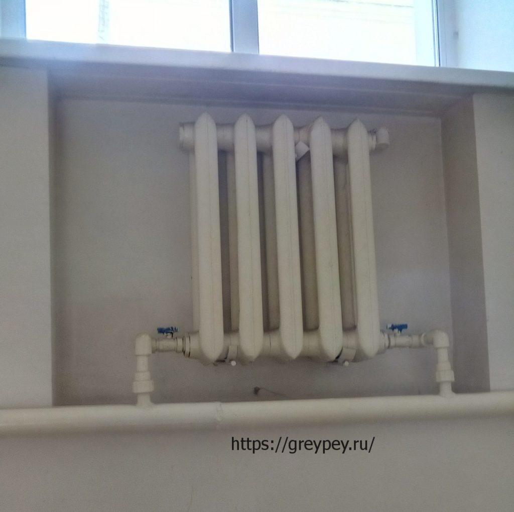 Секционный чугунный радиатор