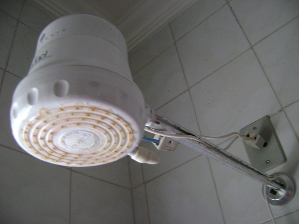 Смесительный проточный электрический водонагреватель