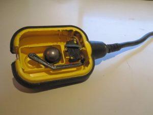 Поплавковый выключатель погружного насоса