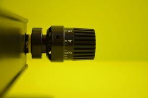 Термоголовка радиатора водяного отопления