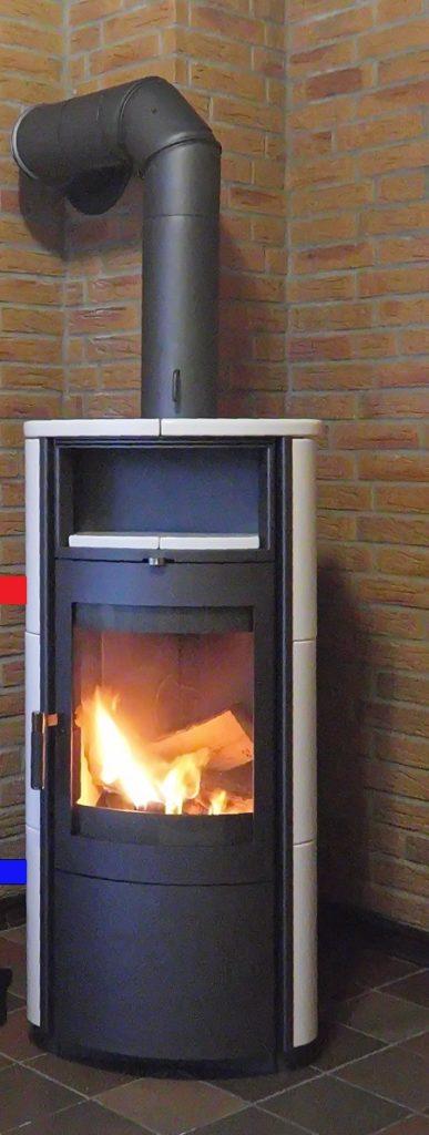 Печь- камин с водяным контуром отопления