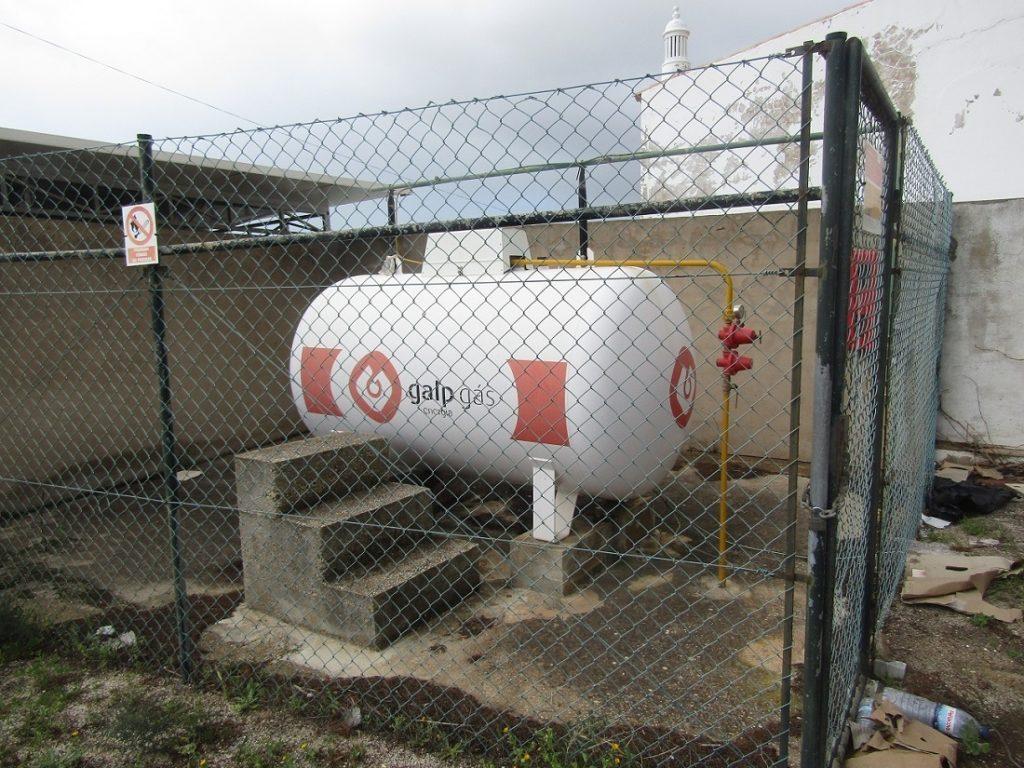 Надземный газгольдер