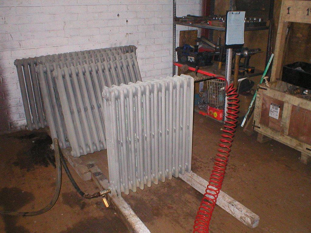 Промывка радиаторов и труб отопления