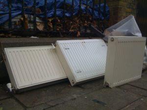 Снятые для промывки приборы отопления