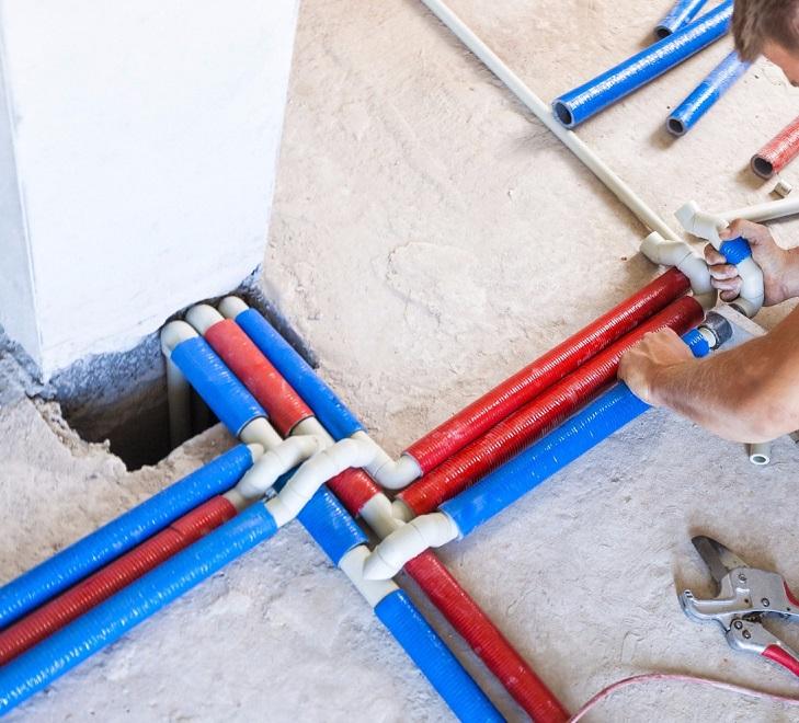 Прокладка трубопроводов системы отопления