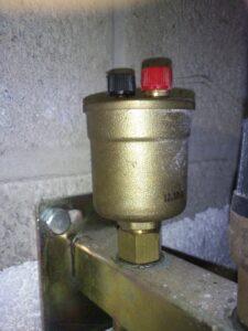 Автоматический поплавковый воздухоотводчик